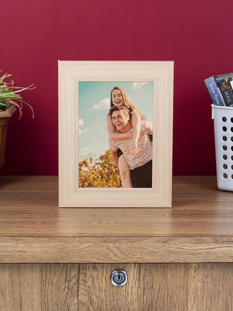 WISHTANK Beige Solid Table Top Photo Frame