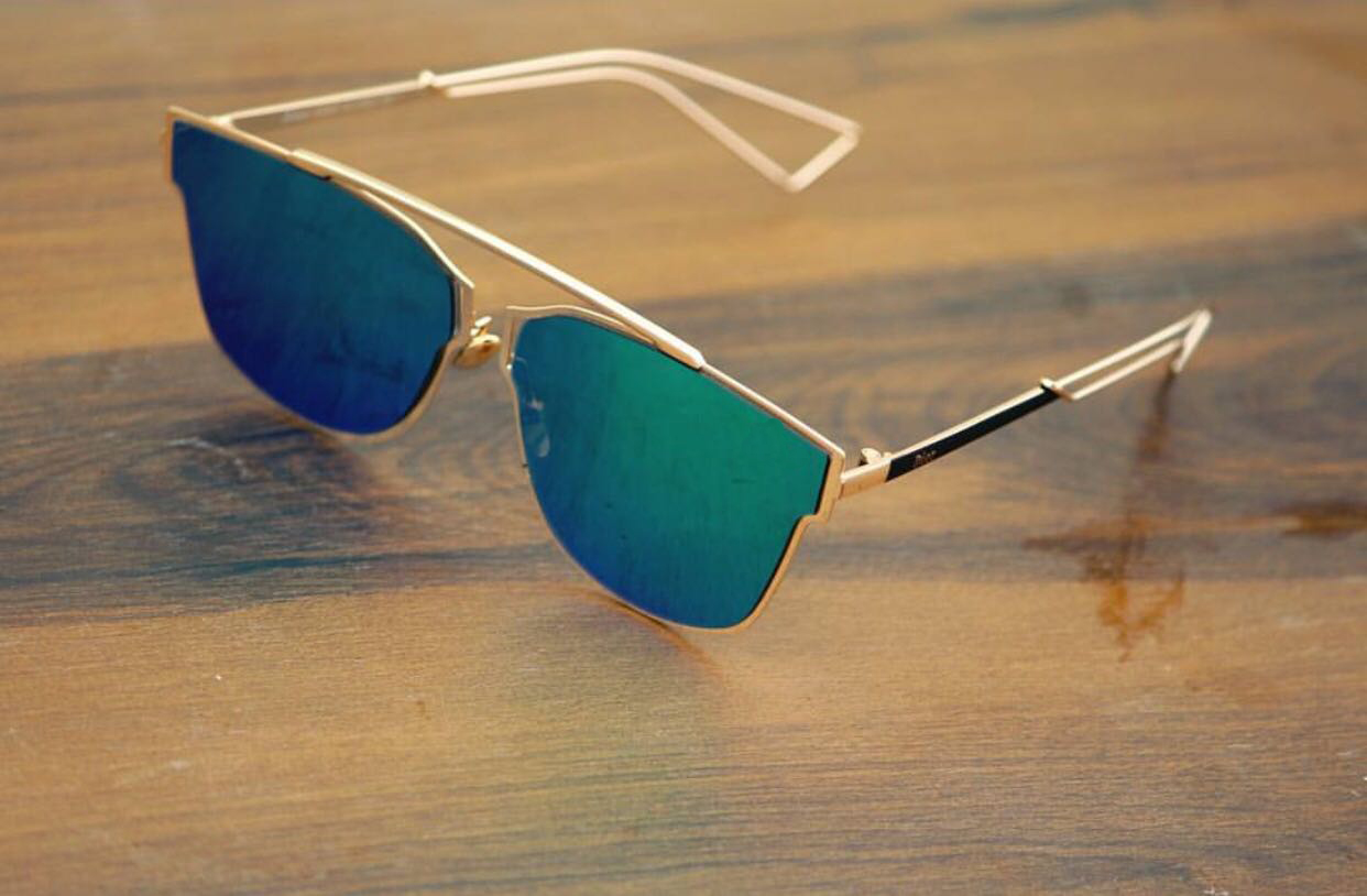 luxurystore Black And Golden Stylish Sunglasses W1204