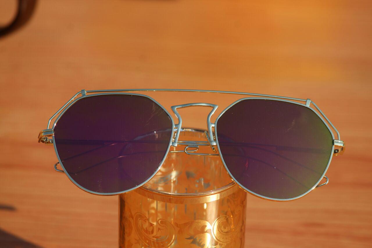 luxurystore Golden And Gold Stylish Sunglasses W 1306